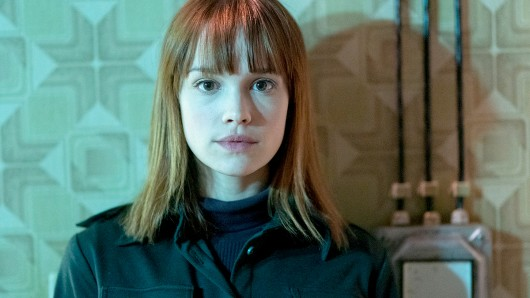 Emilia Schüle spielt in Treadstone die KGB-Agentin Petra Andropov.