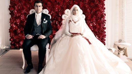 Kein Traum in weiß - Aynurs (Almila Bagriacik) erzwungene Hochzeit mit  Botan
