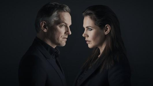 Wer lügt? Felicitas Woll als Laura oder Barry Atsma als Hendrik?