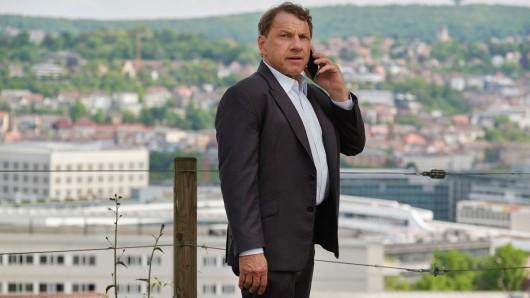 Thorsten Lannert (Richy Müller) ermittelt in einem angekündigten Mord: Mit einem Distanzschuss wurde eine junge Frau beim Nachhausekommen getötet.
