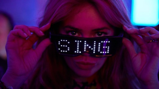 Palina Rojinski modereirt die Netflix-Karaoke-Show Sing On! Germany!