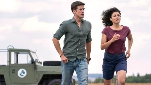 Zwischen Emilia (Liza Tzschirner) und Jonas (Philipp Danne) wird es kompliziert.