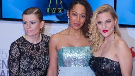 Die No Angels Lucy Diakovska, Jessica Wahls und Sandy Mölling bei der 50. Verleihung der Goldenen Kamera 2015.
