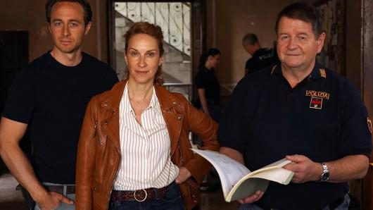 V. li. n. re.: Gabriel Raab (Rolle Jonas Kerschbaumer), Chiara Schoras (Rolle Sonja Schwarz) und Hanspeter Müller-Drossaart (Rolle Peter Kerschbaumer)