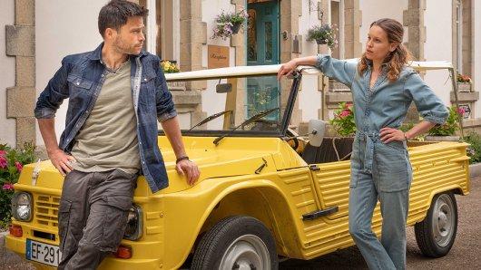 Yves (Karim Chérif) und Britta (Kristin Suckow) lernen sich in der Bretagne kennen.