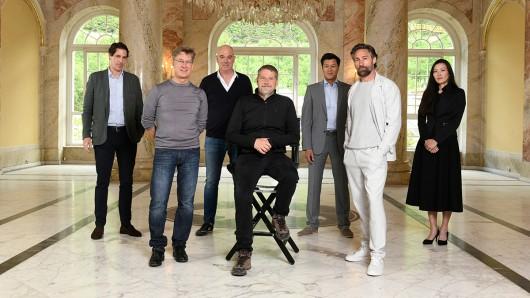 Drehstart der ARD Degeto-Koproduktion Das Netz - Prometheus (AT) mit Moritz von Kruedener, Tobias Moretti, Matthias Hartmann, Andreas Prochaska, Nicolas Goh, Benjamin Sadler und Uisenma Borchu.