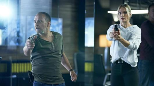 Semir (Erdogan Atalay), Vicky (Pia Stutzenstein)