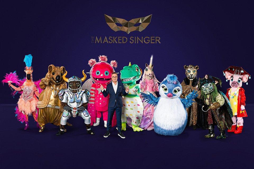 """""""The Masked Singer""""-Kostüme 2021: Der Flamingo; Das Quokka; Der Stier; Der Monstronaut; ; Der Dinosaurier; Das Einhorn; Das Küken; Der Leopard; Die Schildkröte; Das Schwein - präsentiert von Moderator Matthias Opdenhövel (M.)"""