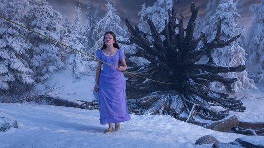In der Adventszeit 2018 mit Der Nussknacker und die vier Reiche im Kino: Mackenzie Foy als Clara