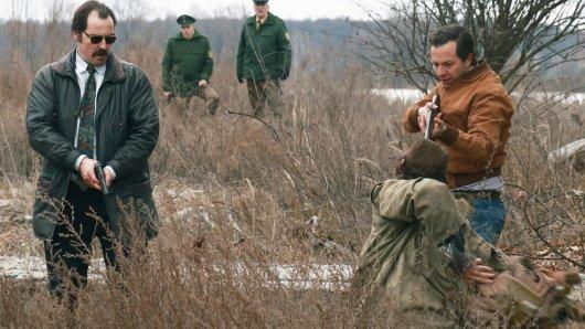 Markus Bach (Felix Kramer) und Patrick Stein (Trystan Pütter) auf der Jagd im Oder-Delta.