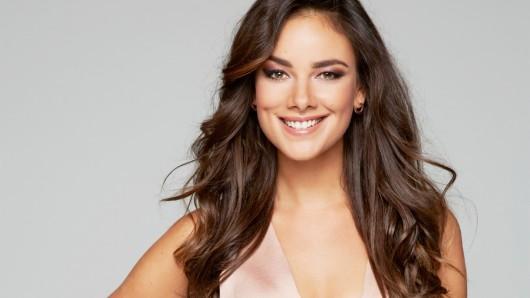Janina Uhse (27)