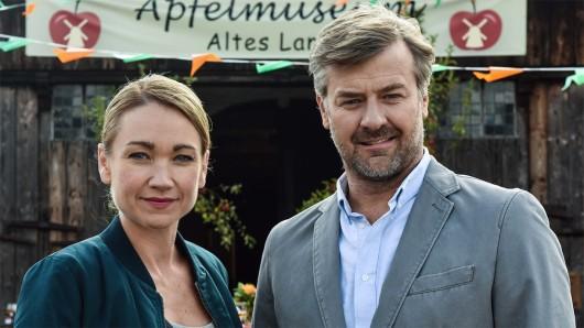 LIsa Maria Potthoff und Marcus Mittermeier bei den Dreharbeiten zu Sarah Kohr