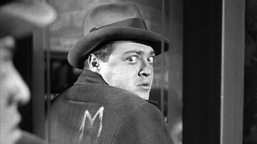 Fritz Langs Filmmeisterwerk M - Eine Stadt sucht einen Mörder mit Peter Lorre wird bei RTL Crime zum Serienstoff.