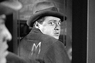 """Fritz Langs Filmmeisterwerk """"M - Eine Stadt sucht einen Mörder"""" mit Peter Lorre wird bei RTL Crime zum Serienstoff."""