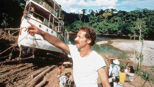 Werner Herzogs Dschungel-Erfahrungen: Beim Dreh von Fitzcarraldo ließ der Regisseur im peruanischen Urwald ein Schiff über einen Berg ziehen.