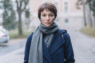 """Julia Koschitz übernimmt die Hauptrolle als ermittelnde PÜsychologin im ZDF-Thriller """"Im Schatten der Angst"""""""