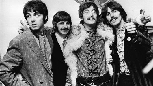 Die Beatles Paul McCartney, Ringo Starr, John Lennon und George Harrison (v.l.n.r.) kommen 50 Jahre nach Auflösung ihrer Band am 30. Januar 1969 dank Peter Jackson zu Filmehren.