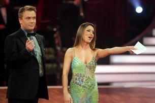 """Gemeinsam mit Hape Kerkeling moderierte Nazan Eckes 2006 und 2007 """"Let's Dance"""" bei RTL."""