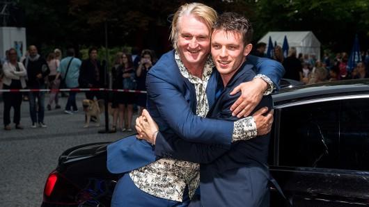 Regisseur Detlev Buck und sein Asphaltgorillas-Hauptdarsteller Jannis Niewöhner werden Anfang 2020 den Thomas-Mann-Klassiker Bekenntnisse des Hochstaplers Felix Krull fürs Kino verfilmen.