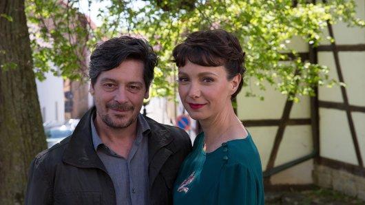 Drehstart für Fritz Karl und Julia Koschitz als mörderisches Ehepaar in der ZDF-Adaption des Theodor-Fontane-Klassikers Unterm Birnbaum