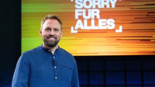 Steven Gätjen moderiert die Überraschungs-Show Sorry für alles