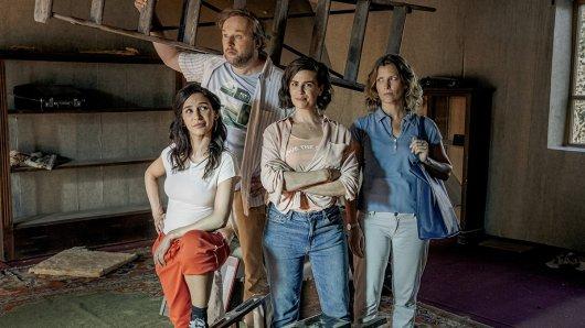 Gemeinsam sind sie stark: Tulin (Yasemin Cetinkaya), Karl (Stephan Grossmann), Marlene (Julia-Maria Köhler), Renate (Valerie Niehaus)