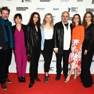 Der Palast Cast auf der Berlinale 2020: Matthias Matschke, Inka Friedrich, Luise Befort, Annabella Zetsch, Uli Edel, Svenja Jung, Jeanette Hain und Hannes Wegener.