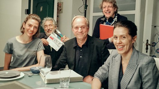 Laura de Boer, Wolfgang Thaler, Ulrich Tukur, Michael Sturminger, Daniela Golpashin (v.l.) bei den Dreharbeiten in Salzburg.