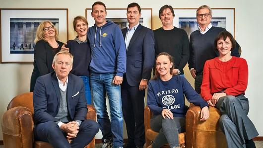 Die Jury der GOLDENEN KAMERA 2017: Sabine Ulrich, Johannes B. Kerner, Heike Makatsch, Wotan Wilke Möhring, Christian Hellmann, Carolin Kebekus, Friedemann Fromm, Jörg Quoos, Christiane Flatken (v.l.)