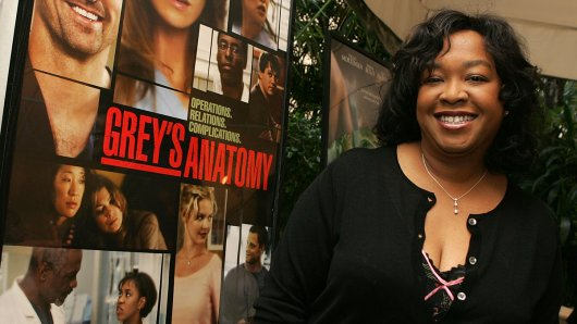 Shonda Rhimes (47, Grey's Anatomy, Scandal) ist Autorin und Produzentin.