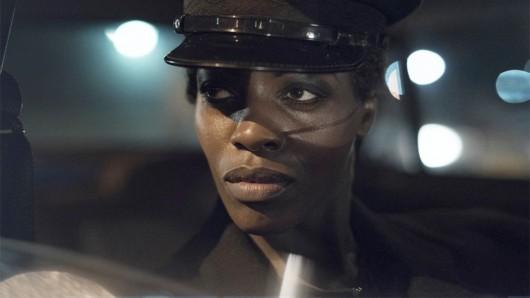 Florence Kasumba spielt Agentin Rose Seithathi in Deutschland '86