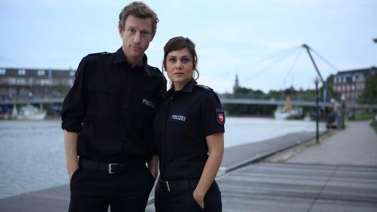 In Leer/Ostfriesland begannen im Juli die Dreharbeiten zum sechsten Film der ZDF-Samstagskrimireihe Friesland mit dem Arbeitstitel Der blaue Jan. Maxim Mehmet spielt Henk Cassens, den neuen Kollegen von Süher Özlügül (Sophie Dal).