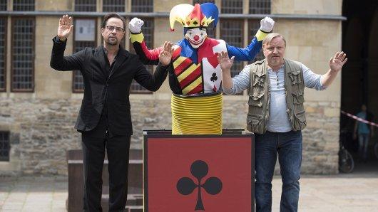 Jan Josef Liefers (l.) und Axel Prahl bei den Dreharbeiten zur Tatort-Folge Gott ist auch nur ein Mensch.