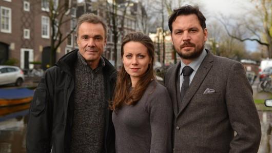 Bis Ende Januar 2018 drehen Hannes Jaenicke (l.), Alice Dwyer und Sascha Alexander Gerak in der niederländischen Hauptstadt die ersten beiden Folgen der neuen Amsterdam-Krimi-Reihe.