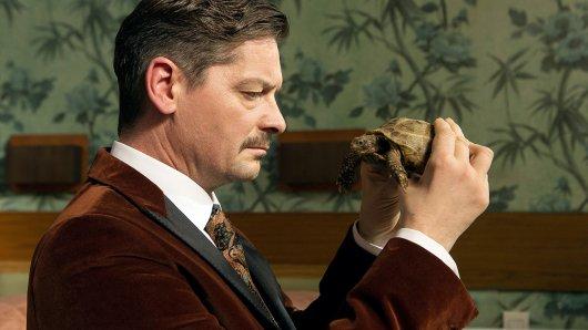 Die Schildkröte soll Falk (Fritz Karl) beraten, tut sie aber nicht.