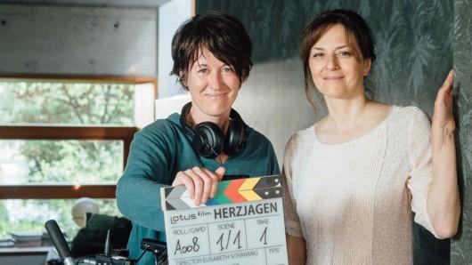 Martina Gedeck (re.) mit Regisseurin und Drehbuchautorin Elisabeth Scharang.