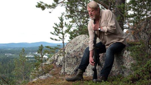 Ex-Kommissar Erik Bäckström (Rolf Lassgård) sieht sich in einer ausweglosen Situation.