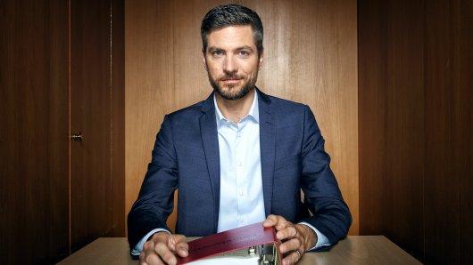 Ingo Zamperoni, Moderator der Nachrichtensendung Tagesthemen, führt auch durch das NDR Gerichtsformat Das soll Recht sein?.
