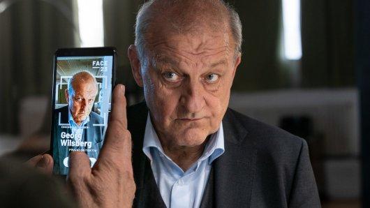 Selbst über Offliner Georg Wilsberg (Leonard Lansink) findet die App FACE 23 Treffer im Netz.