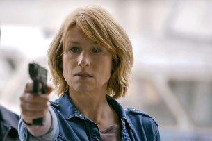 """Corinna Harfouch im TV-Thriller """"Die vermisste Frau"""" (2018)."""