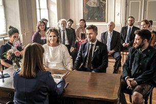 Lena Lorenz (Judith Hoersch) und Quirin Pankofer (Jens Atzorn) geben sich das Jawort.