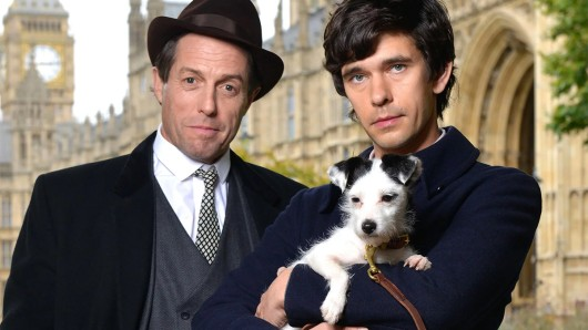 Hugh Grant und Ben Whishaw spielen in A very english scandal ein Skandal-Paar.